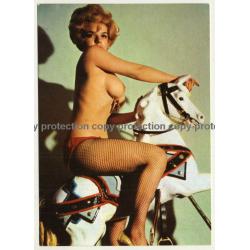 Nude Showgirl Hella / Night-Cabaret Dorett - Kurfürstendamm (Vintage PC Berlin 1960s)