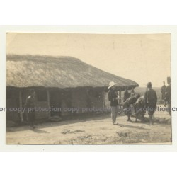Congo-Belge: Colonial Master & Force Publique Soldiers / Bogoro (Vintage Photo B/W ~1930s)