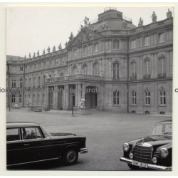 70173 Stuttgart / Germany: Altes Schloß / Mercedes Dienstwagen (Vintage Photo B/W 1963)
