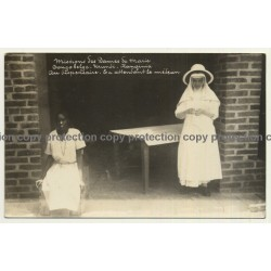 Urundi-Kanginia / Congo Belge: On Dispensaire - En Attendant Le Médecin (Vintage RPPC)