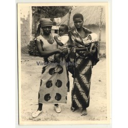 Congo - Belge: 2 Indigenous Females W. Babies / Sarong (Vintage Photo ~1950s)