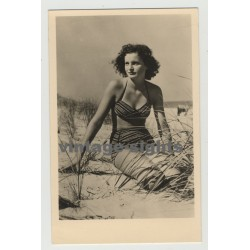 Pretty Curlyhead In The Dunes / Bikini - Pin-Up (Vintage Photo Postcard: GDR 1955)