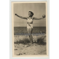 Natural Brunette At Beach / Bikini - Ball (Vintage Photo Postcard: GDR 1955)