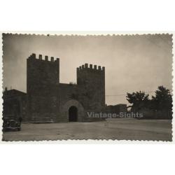 Alcudia / Mallorca: Antigua Puerta De La Ciudad / Old Gate Town *2 (Vintage RPPC ~1950s)