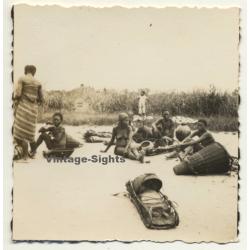Congo-Belge: Group Of Native Women & Kids / Baskets & Pots...