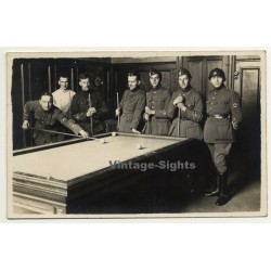Belgium: Group Of Soldiers In Uniform Play Carambole - Billard...
