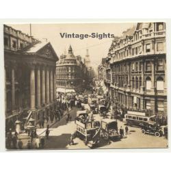 London / UK: Cheapside & Mansion House - Double-Decker...