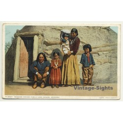 USA: Navaho Indian Family And Hogan, Arizona (Vintage Postcard...