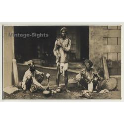 India: A Samp Wallah / Snake Charmers N° 40 (Vintage RPPC ~...