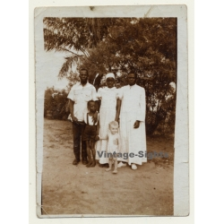 Congo Belge: Native Servant Family With Kid Of Colonial...