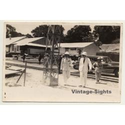 Congo Belge: Colonial Delegation - Rails - Oldtimer - Natives...