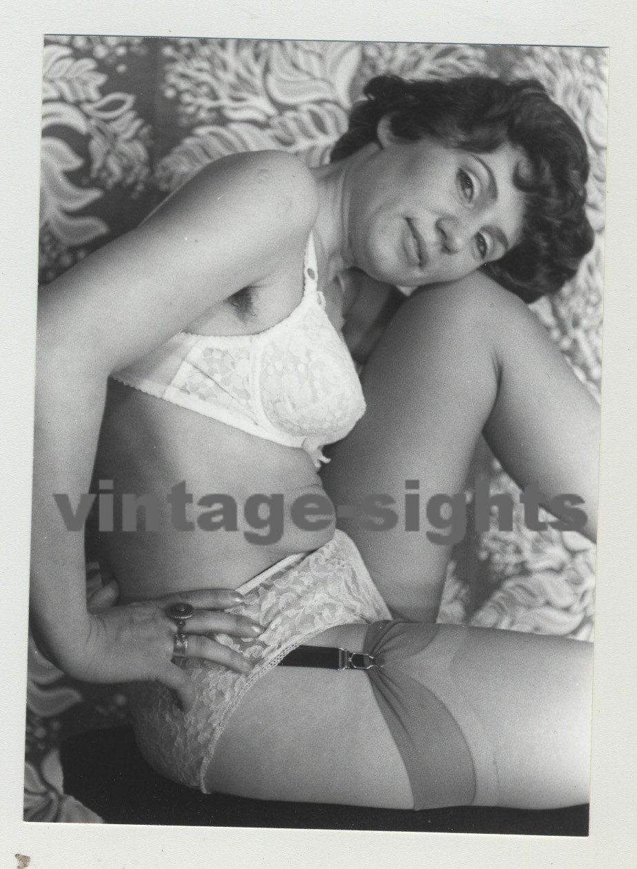 Frau mit dildo verwöhnen