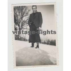 Beautiful Guy In The Snow / Plus Fours - Knickerbockers  (Vintage Photo 40s/50s Gay Int)