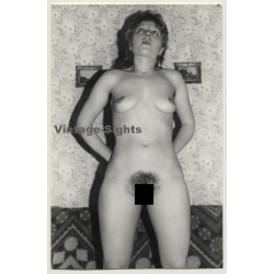 Punky Nude Woman In Funny Pose *2 / Thighs (Vintage Photo GDR...