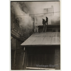 Paris 2. Arr.: Fire At Leather Goods Trade / Firefighters On...
