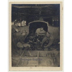 Congo Belge: Colonial Engineers Install 2 Engines In Boat...