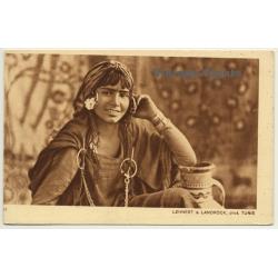 Lehnert & Landrock N° 2557: Fillette Bédouine - Bedouin Girl /...