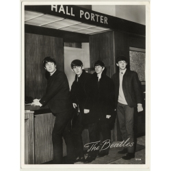 The Beatles In Hotel Lobby (Vintage Photo N° 5724  ~1960s)