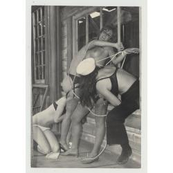 Bizarre Lesbian Cowgirl Bondage Scene 4 / BDSM - Suspenders (Vintage Photo Master 60s/70s)