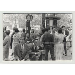 Paris 1964: Street Scene at Crossing / Asian People (Vintate Real Photo)