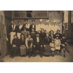 Thieulin-Romain / Angers: Restaurant Staff - Spanish Emigrants...