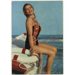 Pinup Girl On Dinghy / Swimsuit (Vintage PC Ediciones Lux ~1960s)