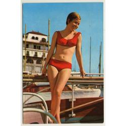 Shorthaired Pinup Girl On Sailing Boat / Bikini (Vintage PC...