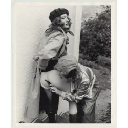 Female Gangsters On The Run / Big Butt - Gun - Lesbian INT (Vintage Photo Master 60s/70s)