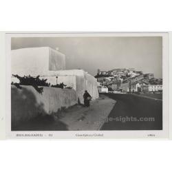 Ibiza / Spain: Casa Típica y Ciudad / View Of Old Town-Castle (Vintage Postcard)