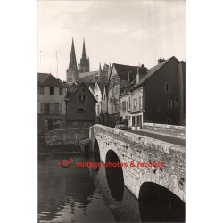 28001 Chartres: View Of Historic Quarter / Stone Bridge (Vintage Photo)
