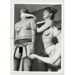 2 Nude Women Putting Friend In Bondage / BDSM (Vintage Photo B/W 1960s)