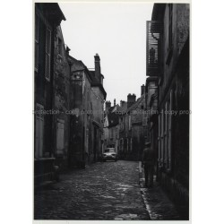 60300 Senlis: Street Scene In Old Town / Oldtimer (Vintage Photo France B/W 1963)