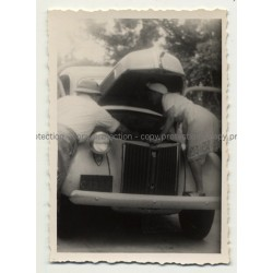 African Woman Helps Mending Oldtimer / Congo? (Vintage Photo B/W ~ 1930s)