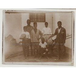 Group Of Congolese Employees - Kinshasa / Belgian Congo (VIntage Photo B/W 1926)