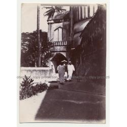 A.R.P. De Lord: African Men In Stone Town - Zanzibar (Vintage Photo ~1920s/1930s)