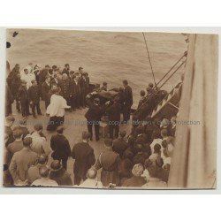 Burial At Sea Of Congolese Man From Thysville (Vintage Photo B/W 1927)
