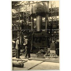 Hydraulic Press - Hydraulik Duisburg / Charles Bouché Leblanc (Vintage Photo B/W 1926)