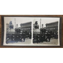 Guys Of Milan, Dome Square - Milan / Italy (Vintage Stereo Photo)
