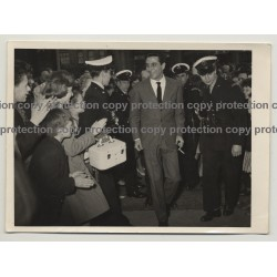 GIlbert Becaud Amongst Fans / Protected By Police Charleroi (Vintage Photo 1960s)