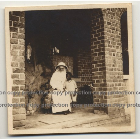Missionary Sister With 2 African Toddlers / Congo? (Vintage Photo B/W ~ 1930s)