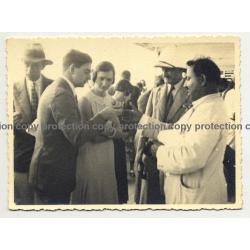 S.S.Anversville / Tenerife: People Buying Broderies (Vintage Photo: Grobet B/W 1933)