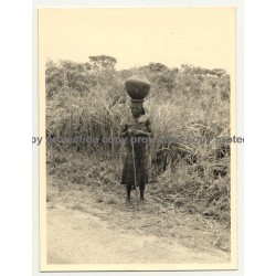Old Congolese Woman Head-Carrying Clay Pitcher (Vintage Photo B/W ~1950s)