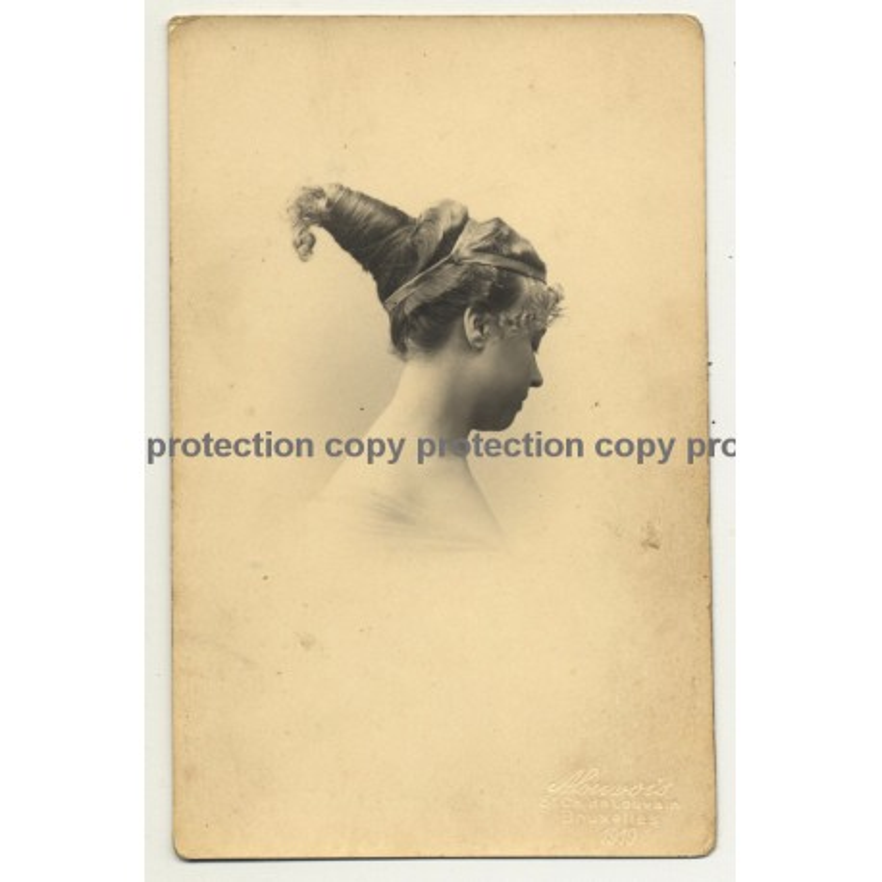Woman W. Impressing Upstyle Hairstyle / Fashion (Vintage Postcard A. Louvois 1919)