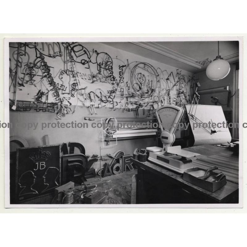 Neon Light Studio-Workshop / JB - Tubes (Vintage Photo B/W 1970s/1980s)