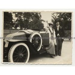Glamorous Colonial Couple & Oldtimer / Congo (Vintage Photo B/W 1933)