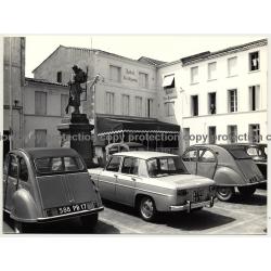 17110 St. Georges-de-Didonne / France: Hotel Les Bégonias - 2CV (Vintage Photo 1960s/1970s)