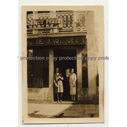 Coruña / Spain: Calzados J. Vazquez / Zapateria (Vintage Photo ~1930s)