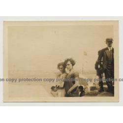 Coruña / Spain: 2 Sulky Girls At Beach / Niñas Malhumoradas En La Playa (Vintage Photo ~1930s)