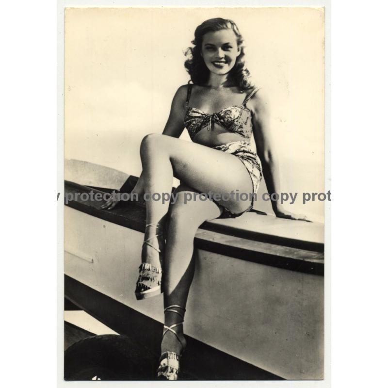 Pretty Pin Up Girl In Bikini / Smile - Legs (Vintage RPPC ~1960s)