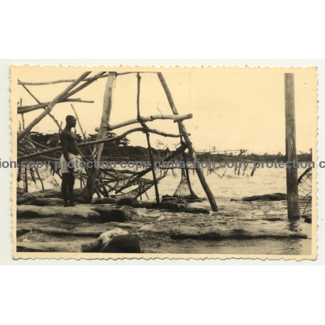 Congo / Africa: Fisherman At Stanley Falls / Fish Trap (Vintage RPPC B/W ~1920s/1930s)